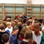 Fritz Strobl besucht erste Klassen